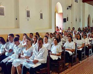 FORANIA N. Sra. APARECIDA CONFERE MINISTÉRIO A NOVOS MESC