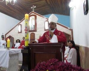 DOM PEDRO CELEBRA CRISMA EM SÃO THOMÉ DAS LETRAS - MG