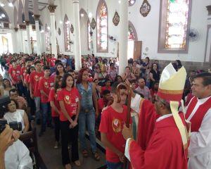 PARÓQUIA DE PEDRALVA - MG ACOLHE NOVA TURMA DE CRISMADOS