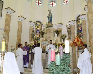 PARÓQUIA NOSSA SENHORA DA CONCEIÇÃO EM CONCEIÇÃO DO RIO VERDE CELEBRA O SACRAMENTO DA CRISMA