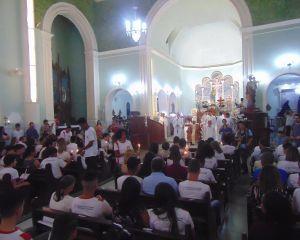Sacramento da Crisma é realizado na Paróquia Nossa Senhora dos Remédios em Caxambu